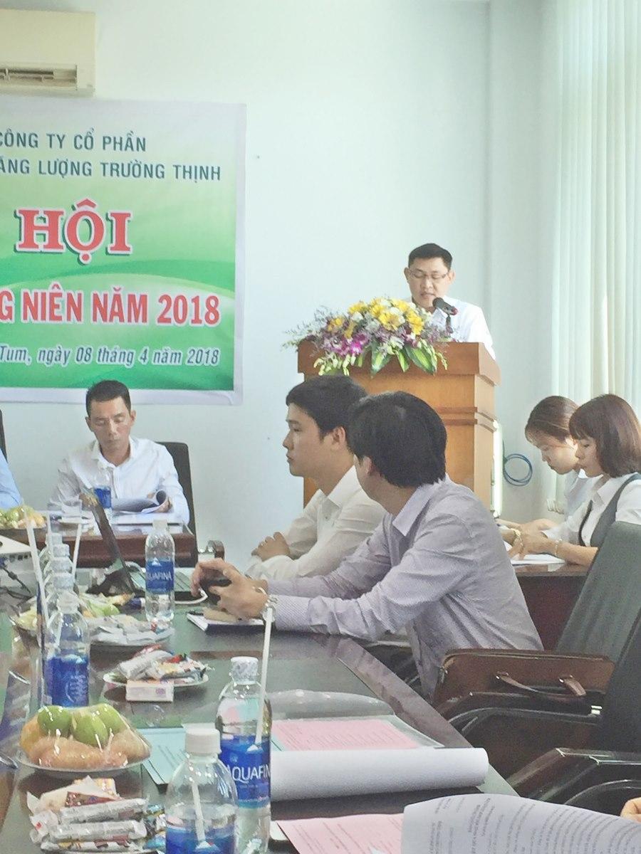 Ông Lê Văn Khoa – Tổng Giám Đốc báo cáo về kết quả sản xuất kinh doanh năm 2017 và kế hoạch sản xuất kinh doanh năm 2018